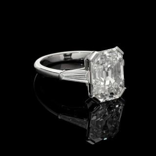 Hancocks 5.19 Carat Old Emerald-cut Diamond Platinum Ring