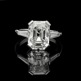 Hancocks 5.19 Carat Old Emerald-cut Diamond Platinum Ring