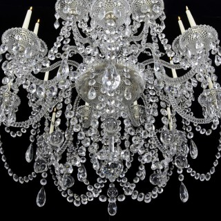 A FINE QUALITY VICTORIAN SIXTEEN LIGHT CUT GLASS ANTIQUE CHANDELIER BY PERRY&CO