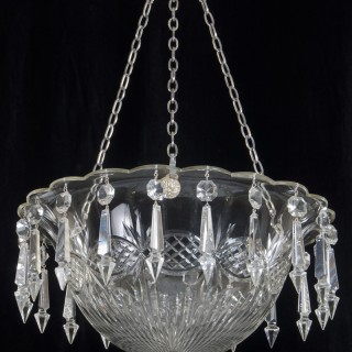 A FINE QUALITY CUT GLASS BOWL LIGHT