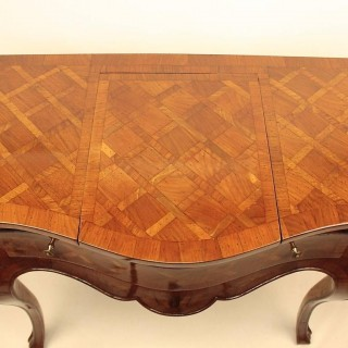 Italian 18th Century Rococo Marquetry Vanity or Console Table