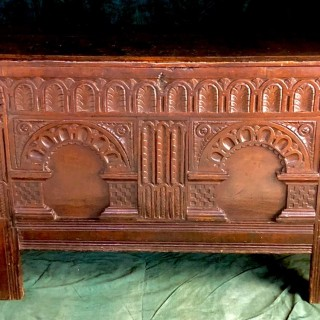 Antique Arcaded Oak Coffer England, 17th Century