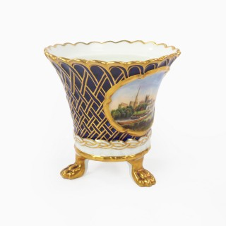Chamberlain Worcester Three Footed Pot with a view of Worcester 1820s