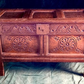 17th Century English Antique Small oak coffer