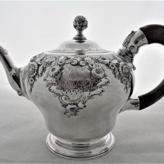 Fine pear shaped George II silver  teapot London 1749 Gabriel Sleath