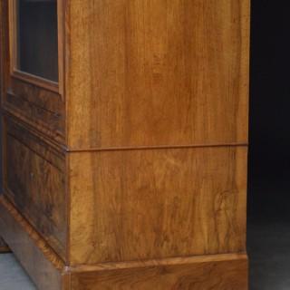 Fine Continental Figured Walnut Bookcase
