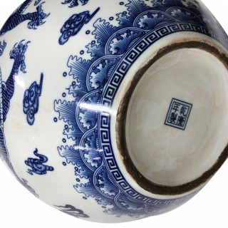 A PAIR OF LARGE CHINESE BLUE & WHITE VASES