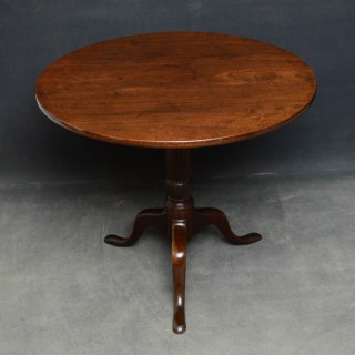 Georgian Mahogany Tilt top Table
