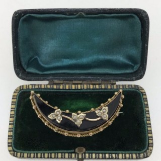 Antique Jet and Pearl Crescent Brooch.