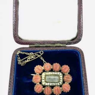 Antique Coral and Gold Brooch.
