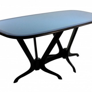 AN ITALIAN MID CENTURY DINING TABLE