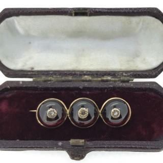 Victorian Garnet Brooch.
