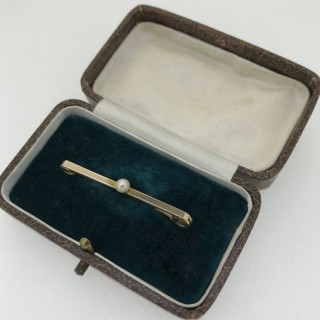 Edwardian Pearl and Gold Bar Brooch.