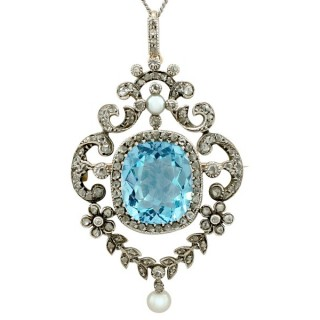 Antique Victorian 8.04ct Aquamarine and 0.81ct Diamond 9ct Yellow Gold Pendant