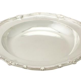 Sterling Silver Serving Dish by Paul de Lamerie - Antique George II
