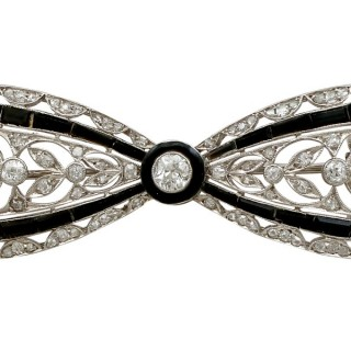 1.35ct Diamond and Black Onyx, Platinum Bow Brooch - Art Deco - Antique Circa 1910