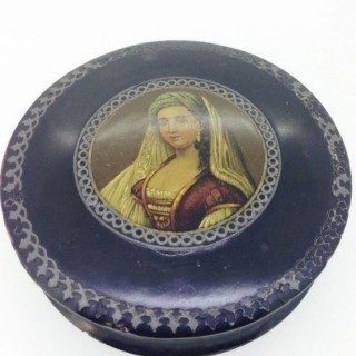 Antique Papier Mâché Snuff Box.