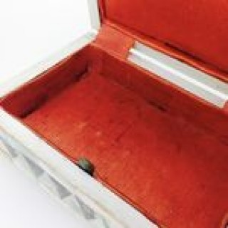 Mother of Pearl Trinket / Needlework Box.