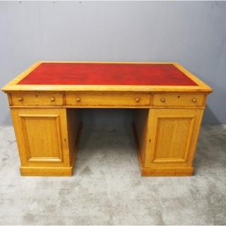Victorian Oak Partners Desk