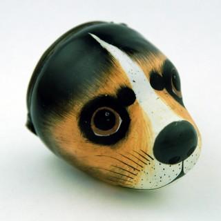 Enamel beagle's head bonbonniere