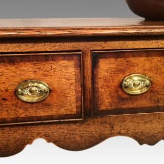 Geo III oak cabriole leg dresser base..