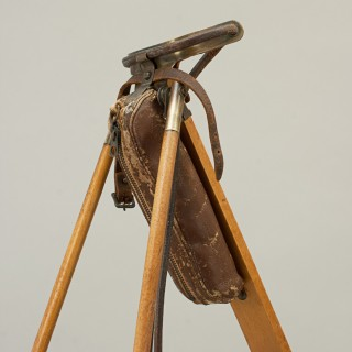 Holbrook Club Carrier, Automaton Caddy stand.