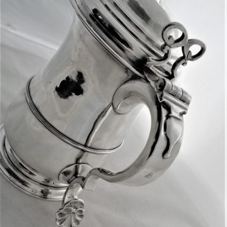 Quality provincial armorial George II silver lidded tankard Newcastle 1749 Isaac Cookson