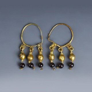 Roman Gold Hoop Earrings with Garnet Beads