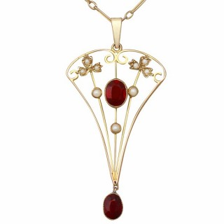 1.02 ct Garnet and Seed Pearl, 9 ct Yellow Gold Pendant - Antique Circa 1920
