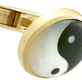 Mother of Pearl and 9 ct Yellow Gold Cufflinks - Vintage Circa 1980