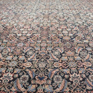 Large Feraghan Mahal carpet