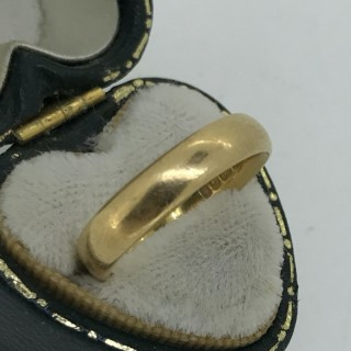 22 ct Gold Wedding Band