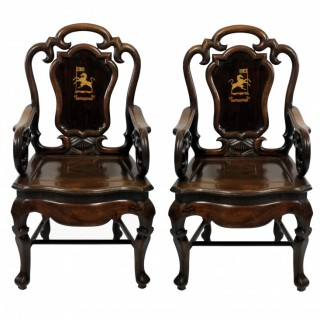 A PAIR OF EARLY 19TH CENTURY ANGLO CHINESE ARMCHAIRS