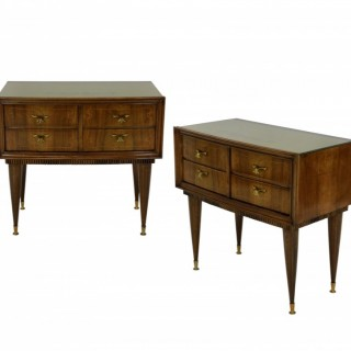 A PAIR OF MID-CENTURY NIGHT STANDS IN WALNUT