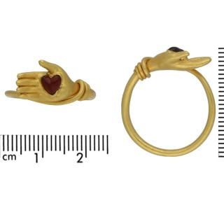 Post medieval garnet heart ring, circa 17th-18th century.