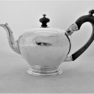Very nice George II silver bullet teapot London 1741 Whipham&Wright