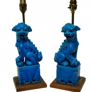 A PAIR OF TURQUOISE FOO DOG LAMPS