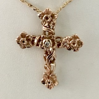15ct Gold and Diamond Cross