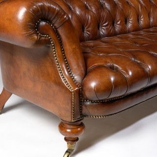 Fine 19th Century Johnstone & Jeanes Walnut Leather Upholstered Chesterfield