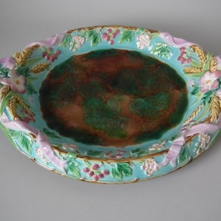 George Jones Majolica Bread Platter