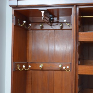 EDWARDIAN MAHOGANY 3 DOOR WARDROBE
