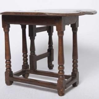 Well Patinated Oak Folding Table 17th Century