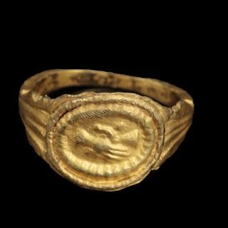Roman Gold Wedding Ring