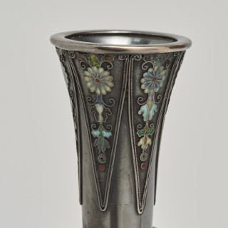 A Japanese slender form silver bottle vase by Hirokatsu Mohei.