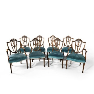 A Most Attractive Set of 8 (6+2) Early 20th Century Hepplewhite Chairs of Classical Form
