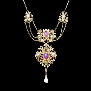 An outstanding silver gilt necklace by Georgie Gaskin