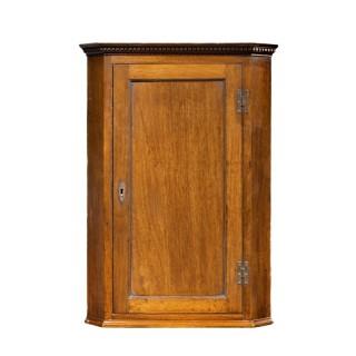 A Good George III Period Mahogany Corner Cupboard