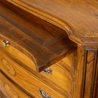 A Quite Exceptional Early 20th Century Serpentine Fronted Mahogany Commode.