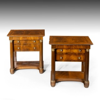 Early 19th Century A Fine Pair of En Pier Mahogany Chests