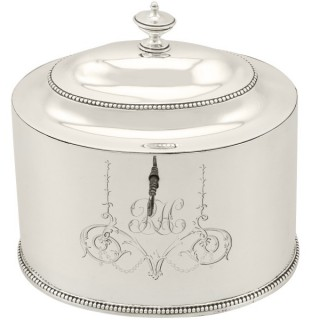 Sterling Silver Locking Tea Caddy by Hester Bateman - Antique George III (1783)